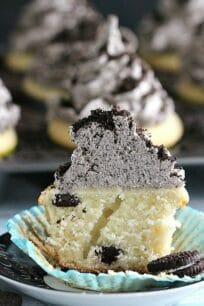 mint chocolate chip oreo cupcakes 6001