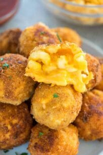 Homemade Cheesy Mac and Cheese Balls