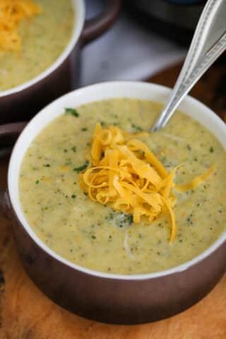Best Instant Pot Broccoli Cheddar Soup Recipe